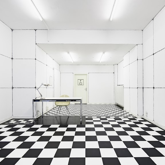 Till Bödeker: Test Chamber: Isolation (2020)